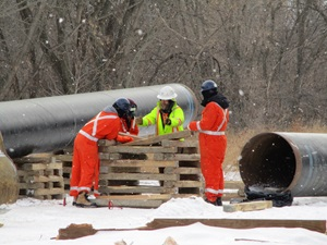 pipeline workers training outside